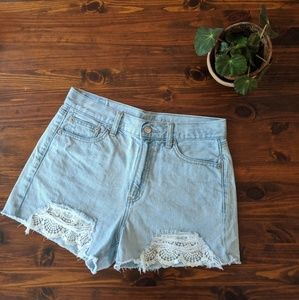 American eagle distressed lace insert mom short 4